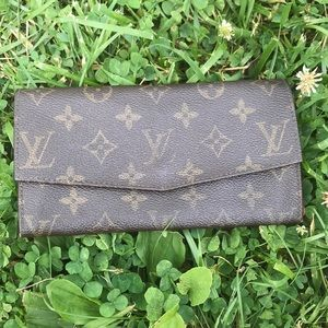 💫Vintage Louis Vuitton Wallet💫